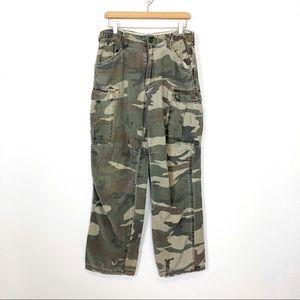 Vintage high waisted camo pants loose cut wide leg